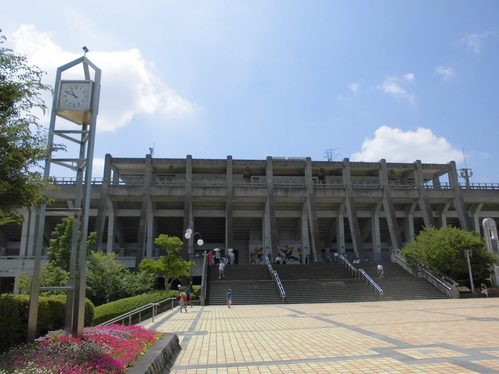 博多の森陸上競技場.jpg