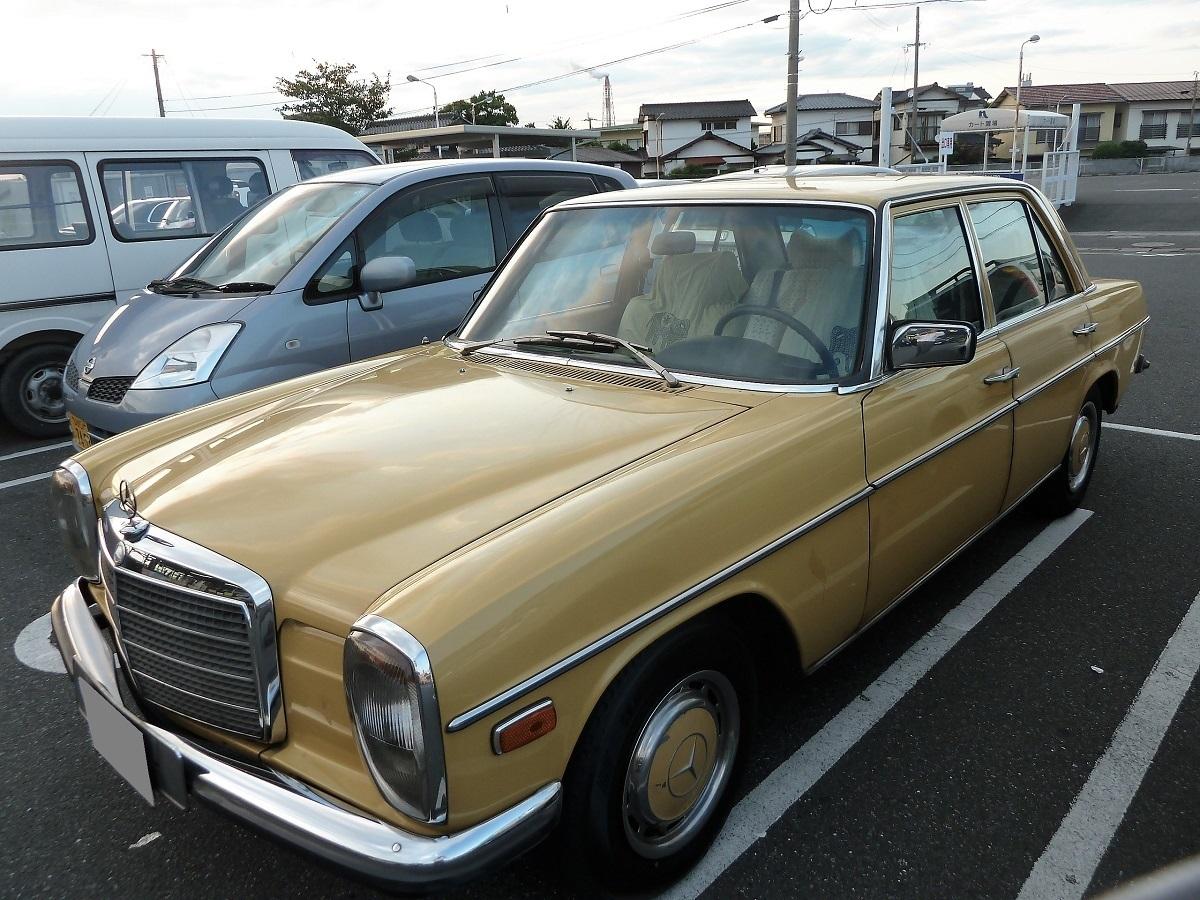 �AMercedes-Benz300D.jpg