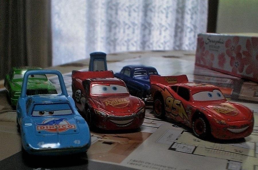 おもちゃの車2.jpg