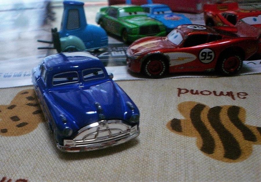 おもちゃの車3.jpg