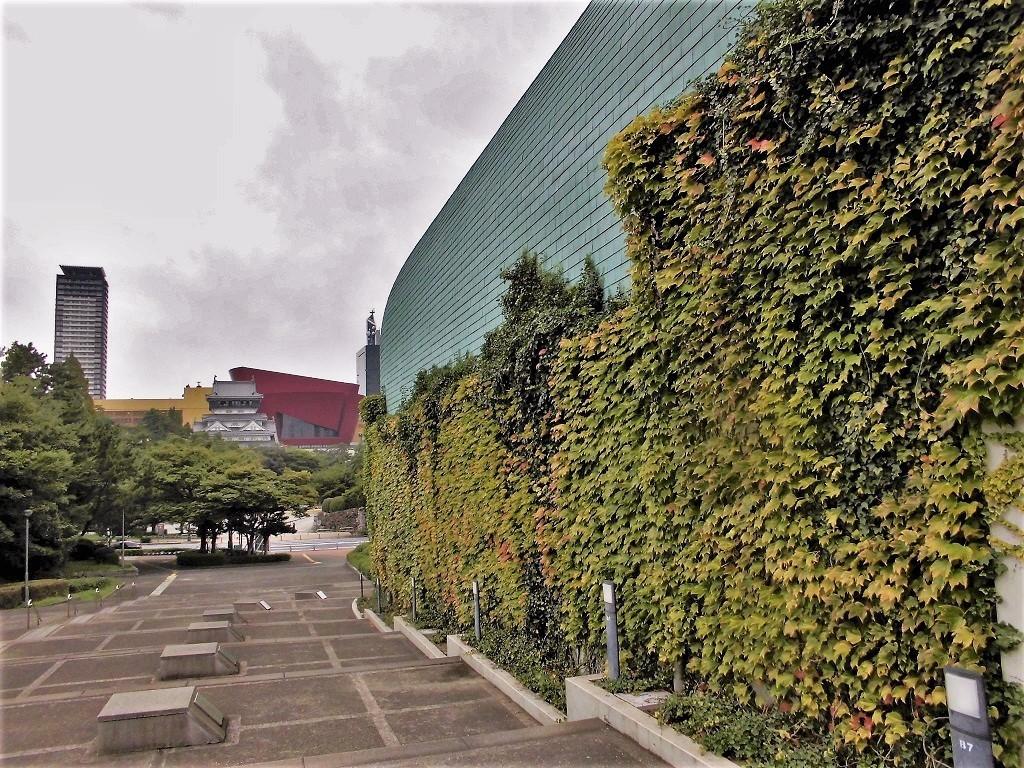 北九州市立中央図書館.jpg