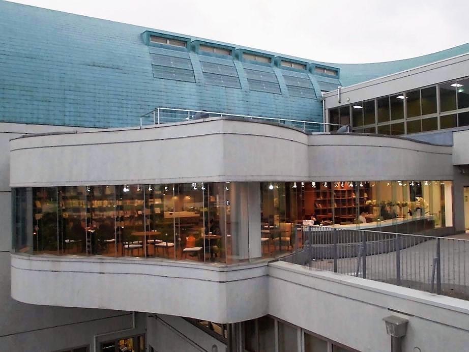 北九州市立中央図書館 カフェ ラポール.jpg