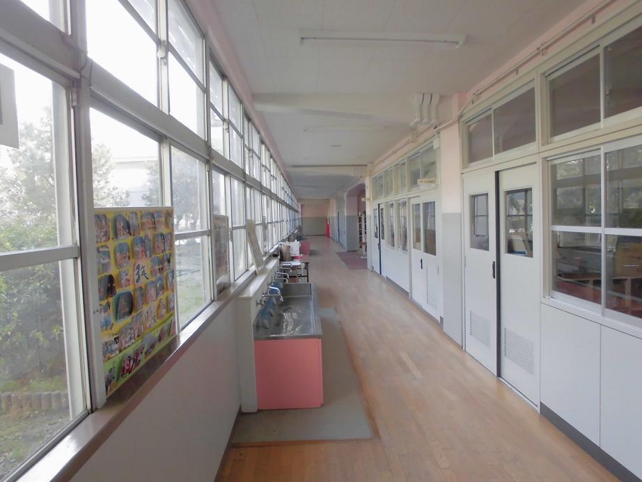 小学校教室.jpg