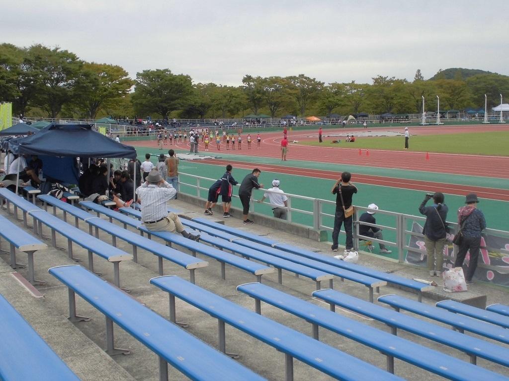 本城陸上競技場2.jpg
