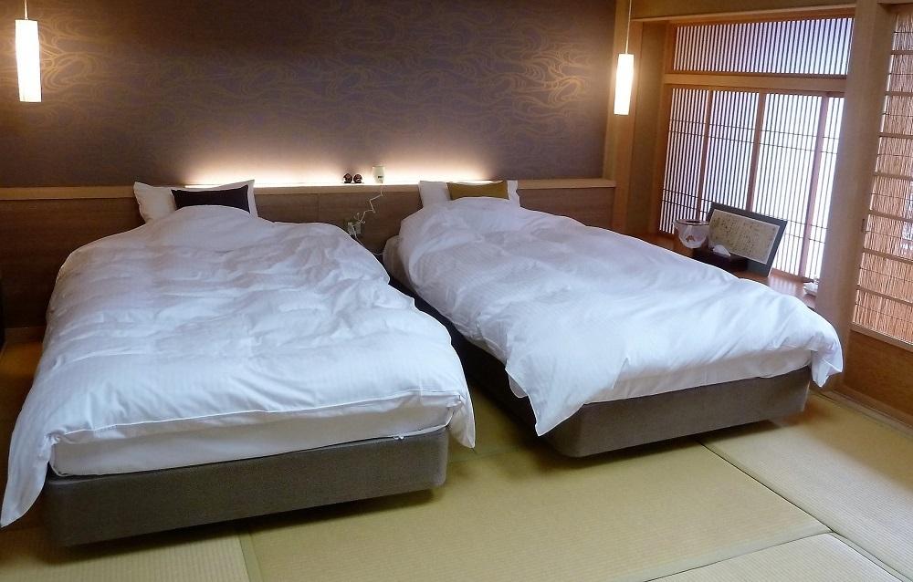 松田屋ホテルツインベッド.jpg