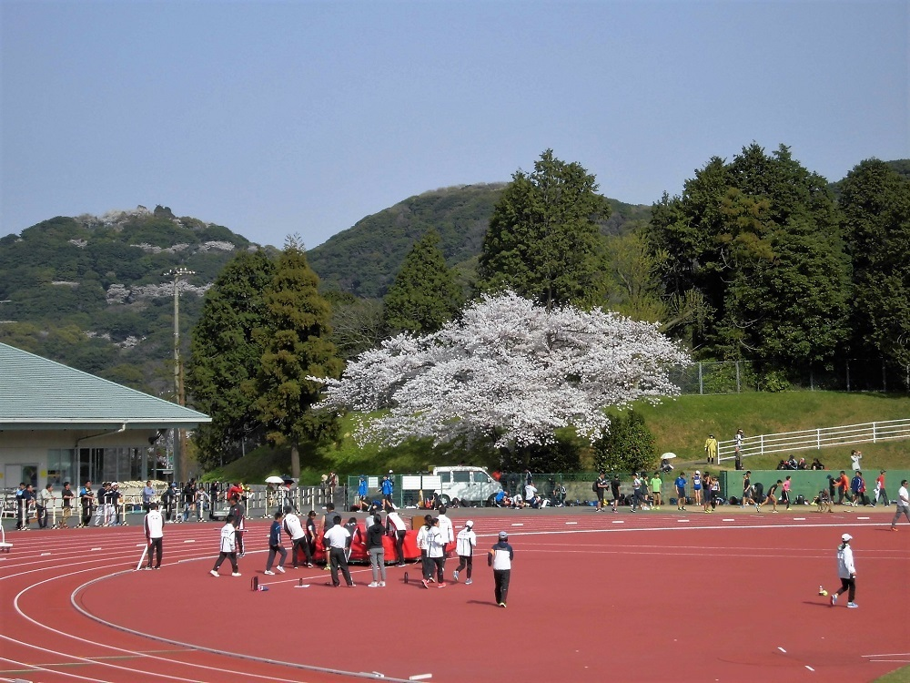 鞘ヶ谷陸上競技場2.jpg