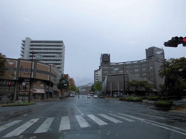 JR八幡駅前交差点.jpg