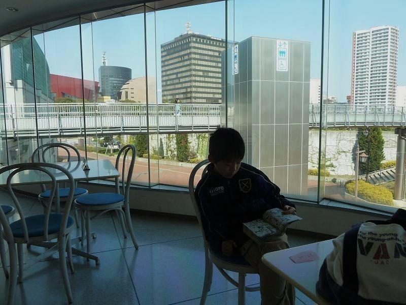kitakyushu library.jpg